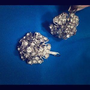 Betsey Johnson rare crystal flower earrings